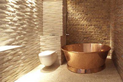 Copper free standing round bath tube design