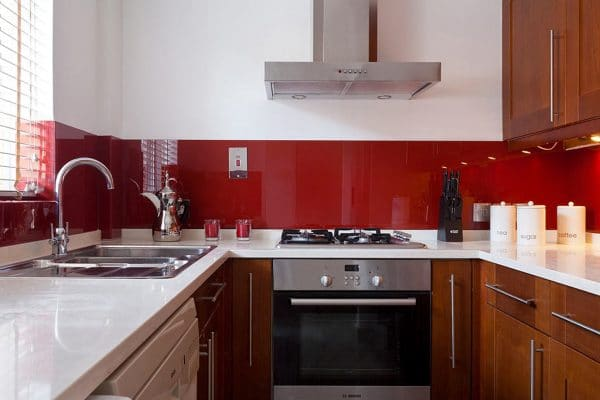 kitchen red glass splashback interior design
