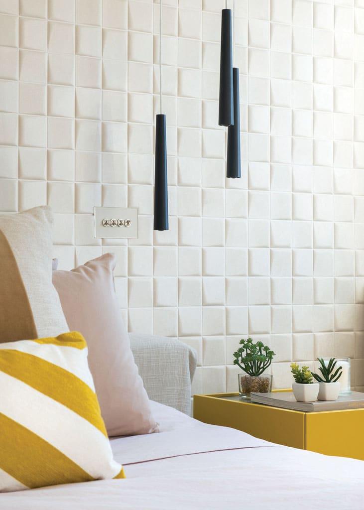 Master Bedroom details - 3D Wallpaper and flute pendants