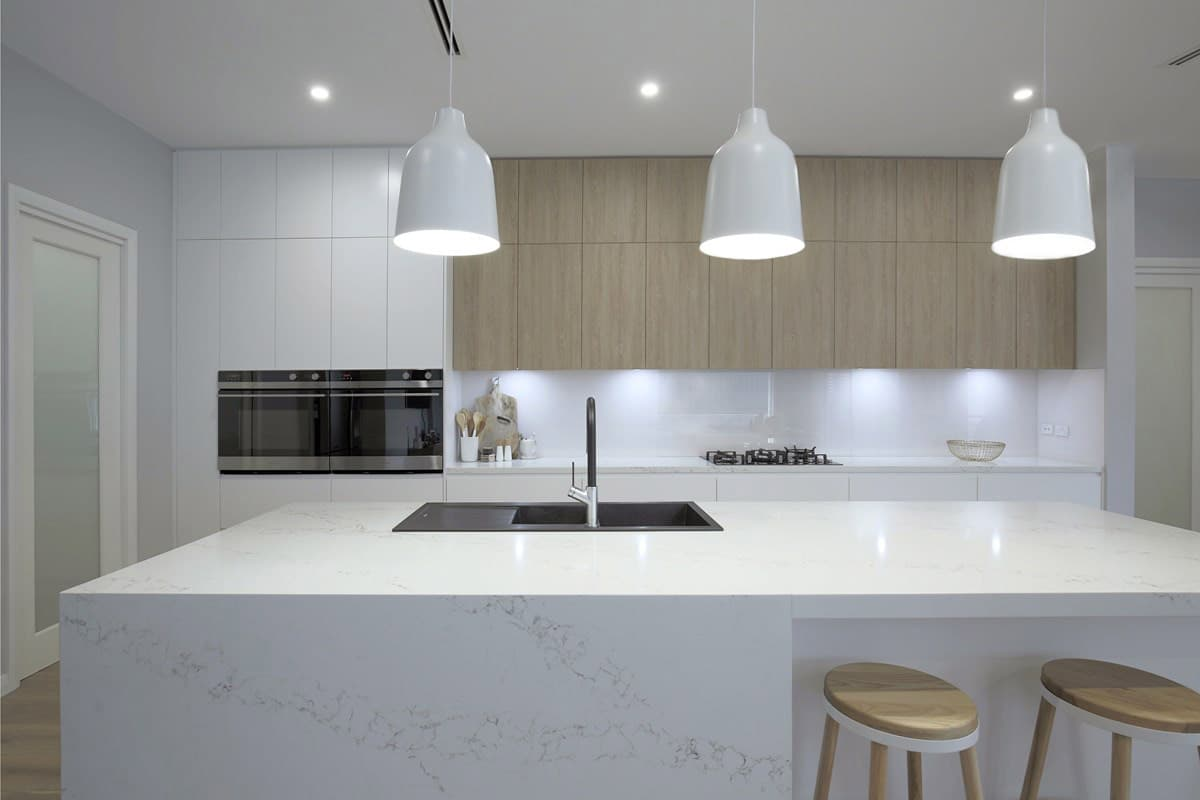 Download Wallpaper Hard Wearing White Kitchen Worktops