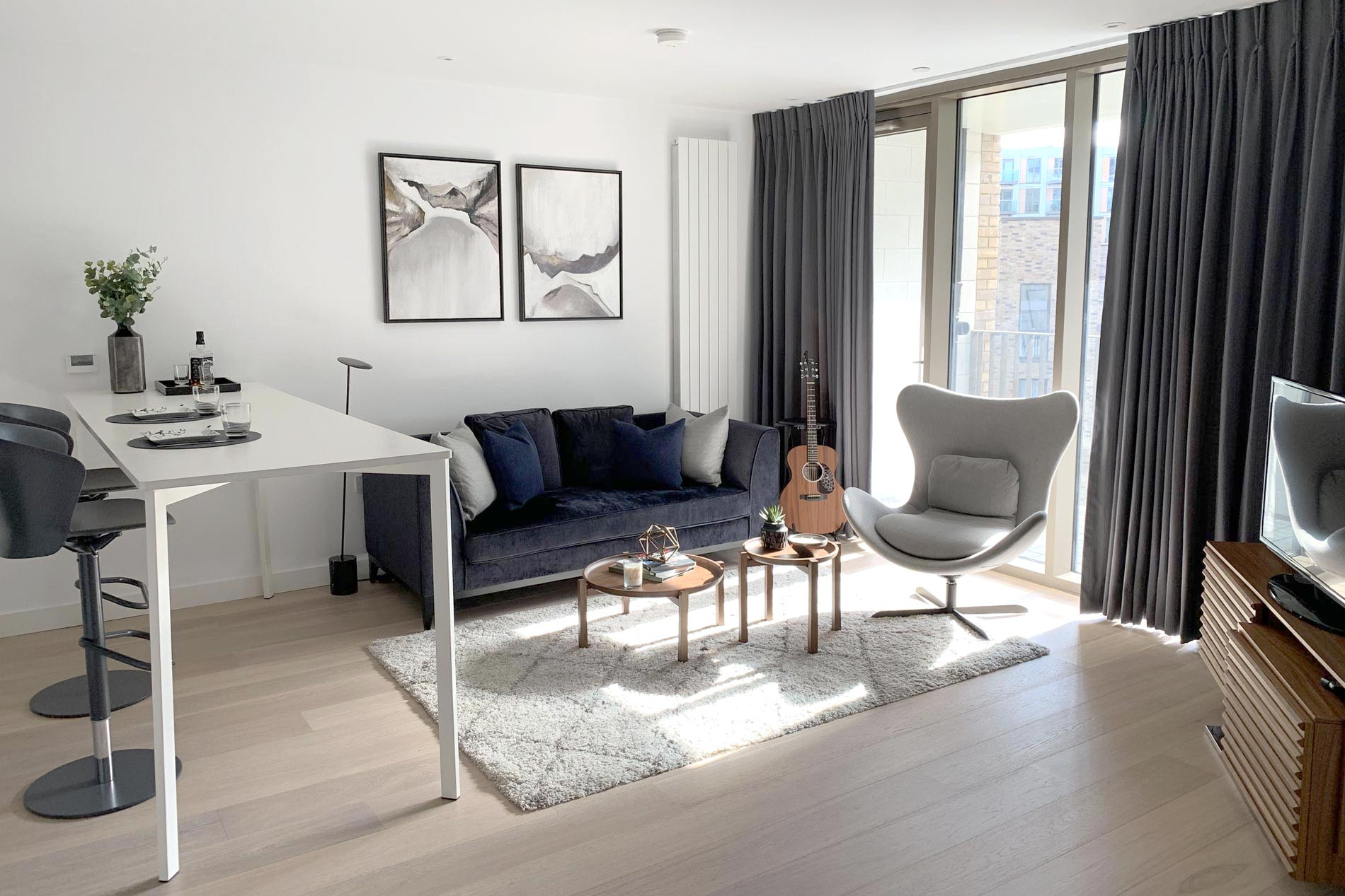 Canary Wharf Flat living area open space