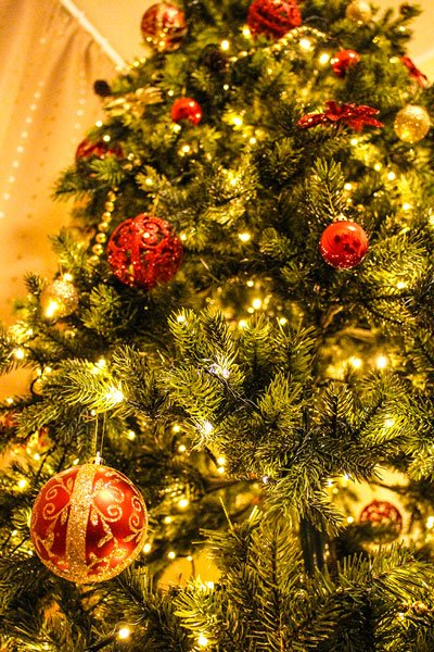 Christmas tree tips interior decorations