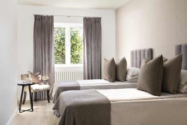 Contemporary Twin bedroom in taupe in Kensington